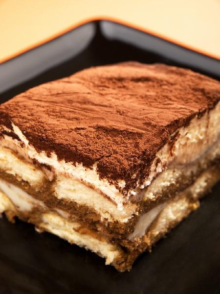 Тирамису - торта без печене с бишкоти и сирене маскарпоне - снимка на рецептата